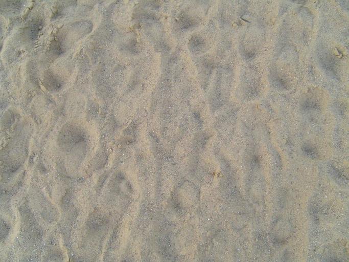 světlý písek