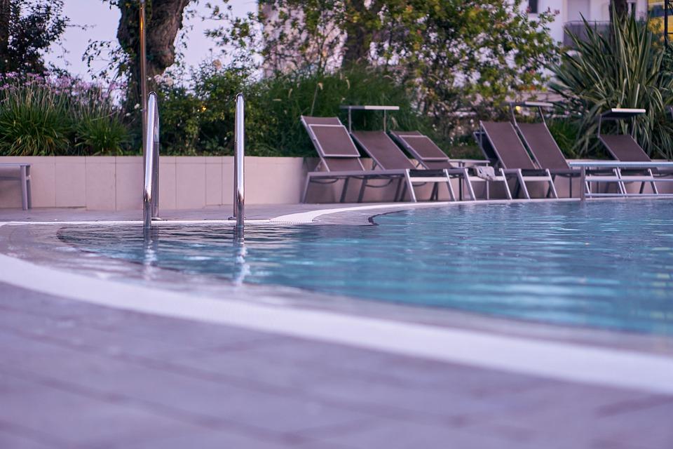 pěkný bazén