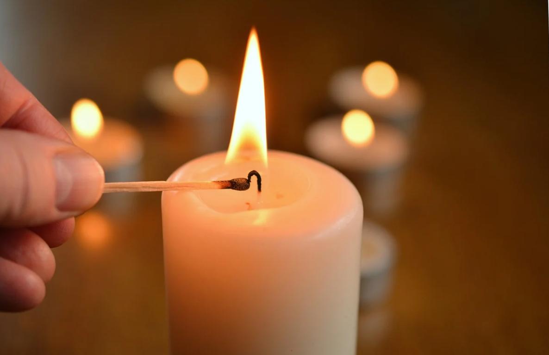 zapálení svíčky